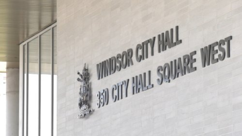 Council approves vaccine policy for city workers