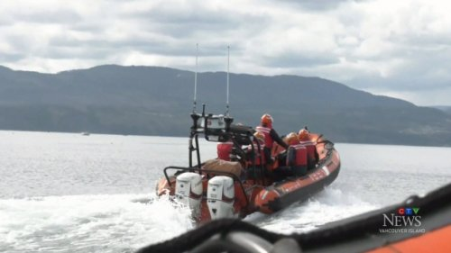 14 rescued after boat begins sinking off Nanaimo