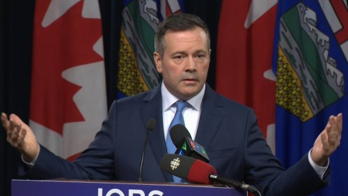 Kenney tells radio host that lockdown would punish people already vaccinated