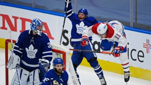 Minus Tavares, Matthews leads the way as Leafs down Habs 5-1 in Game 2 to even series