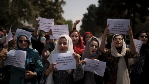 Taliban-run Kabul municipality to female workers: Stay home