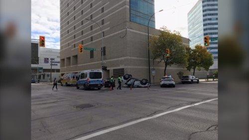 Emergency crews respond to crash in Downtown Winnipeg