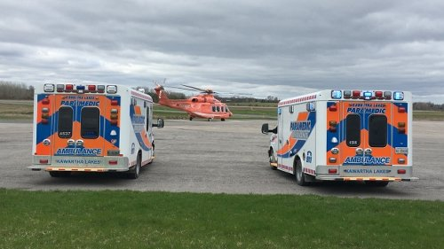 Two people airlifted to hospital after multi-vehicle crash near Lindsay, Ont.