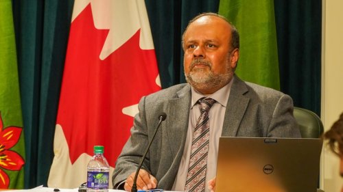 Sask. top doctor not ruling out further restrictions, despite plateauing COVID-19 cases