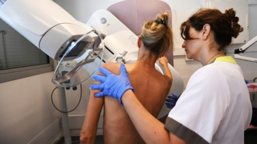 Don't panic if you see a lump on your armpit after COVID-19 vaccination, doctors say