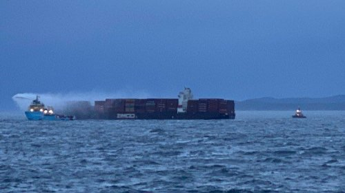 B.C. storm hampers salvage crew's access to smouldering ship off Victoria