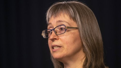 'A critical time': Alberta's top doctor calls out individuals trying to use fake COVID-19 vaccine cards