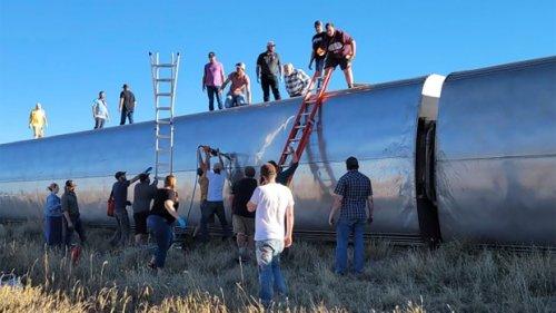 U.S. investigators probe deadly Amtrak derailment in Montana