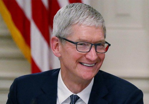 Apple CEO Tim Cook awarded first stock grant in nearly a decade