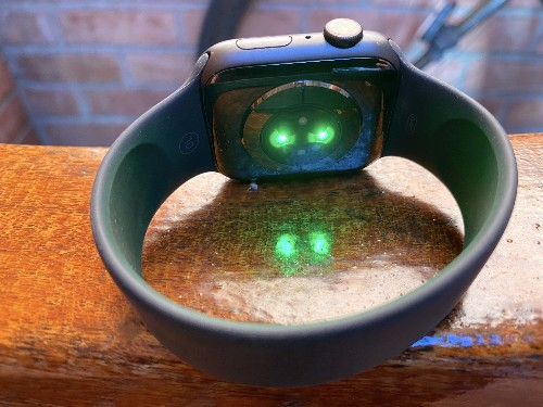 Apple Watch could spot COVID-19 symptoms a week before it strikes