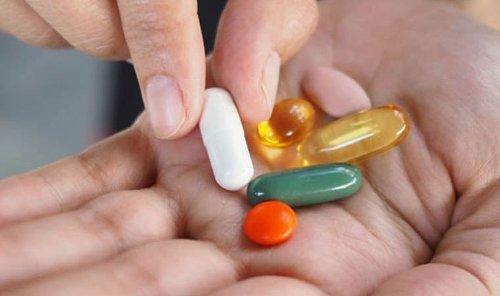 Sağlık Bakanlığı, koronavirüs tedavisinde tartışılan ilacın kullanımını durdurdu
