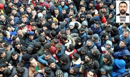 CHP 'Tek Adam Rejiminin 3 Yılında Emekçinin Kayıpları' başlıklı bir rapor açıkladı