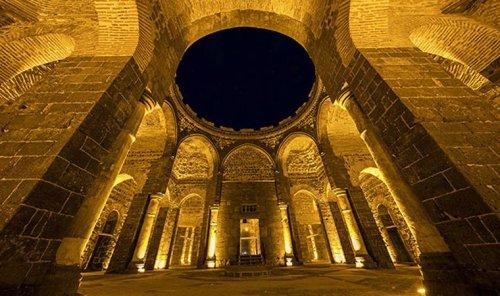 Diyarbakır'daki 1600 yıllık Saint George Kilisesi, sanat galerisi olacak