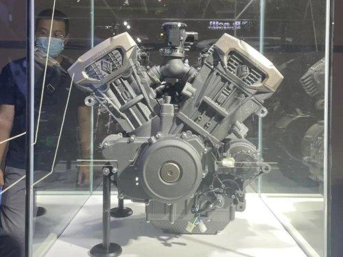 Benda Debuts 1,200 and 500 V-4 Engines