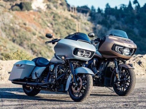 2020 Indian Challenger Dark Horse vs. Harley-Davidson Road Glide Special