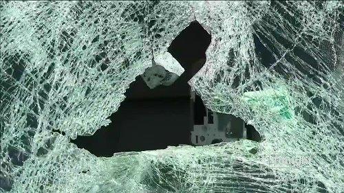 2 men arrested for throwing rocks onto Seattle freeways