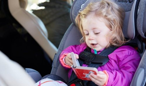 Screen time: is it helpful or hurtful for babies? | lovevery