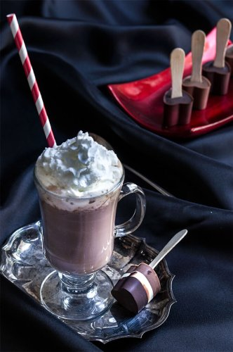Viennese hot chocolate + melting hearts hot chocolate spoons - Viktoria's Table