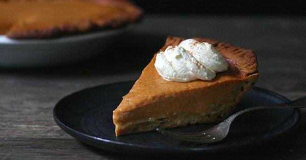 Pumpkin Pie with Cinnamon-Roll Crust