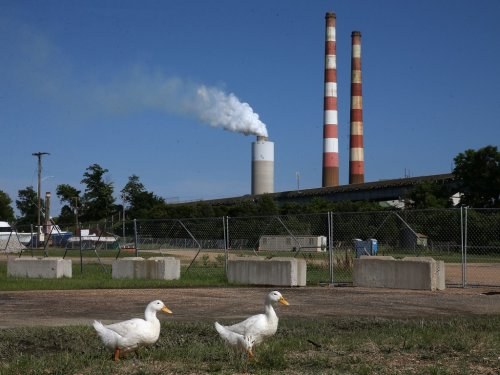 Earth-warming emissions come roaring back from pandemic