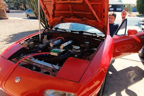 Man in the USA fits Koenigsegg freevalve tech to Mazda MX-5