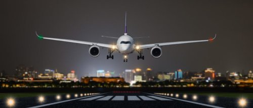 Authorities Arrest Teenager For Shining Laser Beam At Airplane Trying To Land