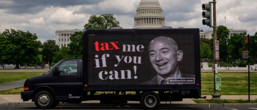 Petition To Ban Jeff Bezos From Returning To Earth Gains Traction Online