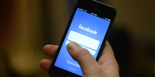 Facebook's Latest Glitch is Reposting Your Old Photos Without Permission