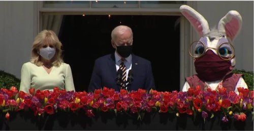 The Easter Bunny wearing a mask at the White House has conservatives freaking out