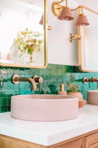 6 Emerald bathroom ideas for a colorful home
