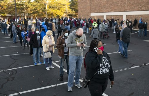 Early voting begins in Ohio and the lines are extraordinary