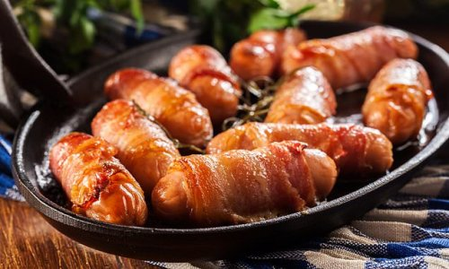Post-Brexit shortage of workers threatens supply of pigs in blankets