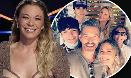 LeAnn Rimes reunites with her 'modern family' for Mother's Day