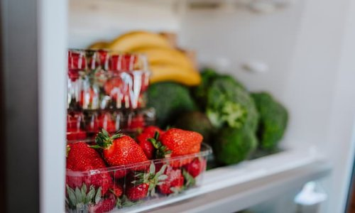 Mum shares simple strawberry hack to store for up to THREE WEEKS