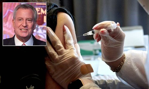 De Blasio wants to offer J&J's one-dose vaccine to NYC tourists