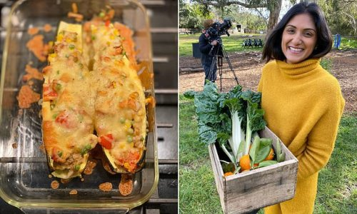 Doctor shares her family-favourite dinner recipe for zucchini 'boats'