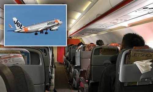 Jetstar passengers 'distressed, vomiting' after pilots cancel landing