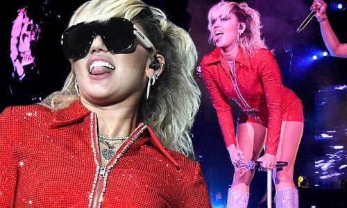 Miley Cyrus heats up Lollapalooza with a twerk-filled performance