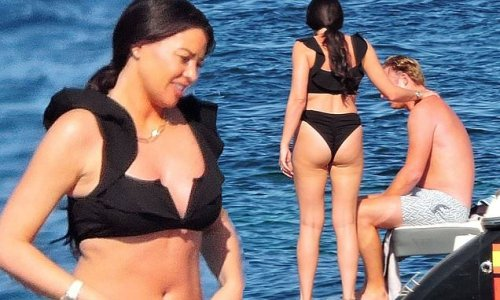 Jess Wright enjoys boat day with fiancé William Lee-Kemp in Mallorca