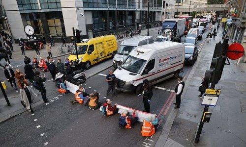 Insulate Britain tell motorists to avoid using M25 tomorrow
