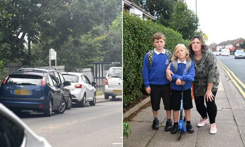 Parents say 'children will be killed' due to drivers parking at school
