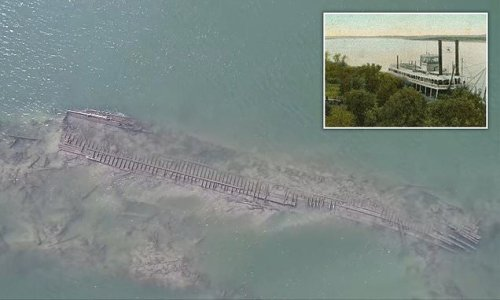 130-year-old shipwreck revealed as Missouri river water levels drop