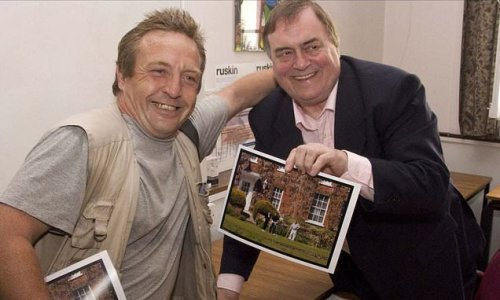 Tributes are paid to Mail On Sunday photographer Gary Trotter