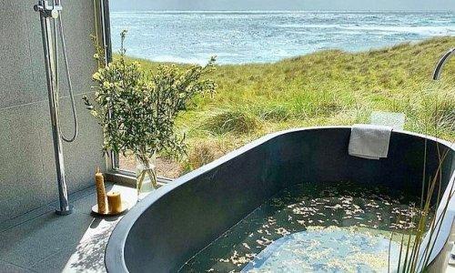 Humble Tasmanian lodge boasts one of the best bathtubs in Australia