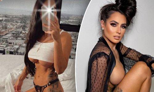 Arabella Del Busso reveals underboob in a tiny crop top