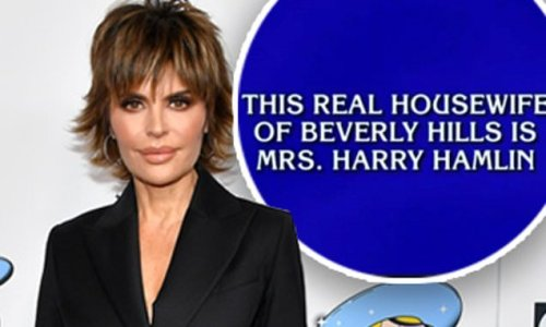 Lisa Rinna reacts to being an answer on Jeopardy: 'OMG!!!!!!!!'