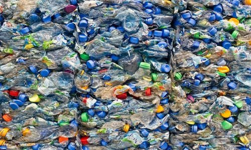 Scientists convert waste plastics into jet fuel in less than an hour
