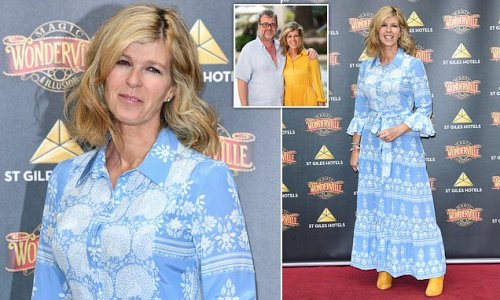 Kate Garraway enjoys her first evening out since before the pandemic
