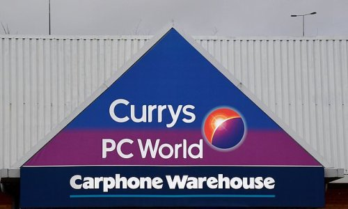 Currys PC World customers continue to complain about firm