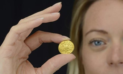 Metal detectorist finds £200,000 gold coin in Wiltshire field